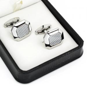 Stainless steel cufflinks with carbon fiber